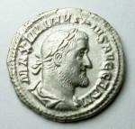 1 Maximinus av