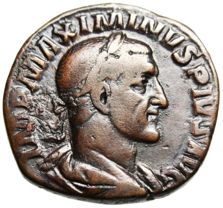 https://istoriesinumismatica.files.wordpress.com/2013/01/2-maximinus-av.jpg?w=718&h=672